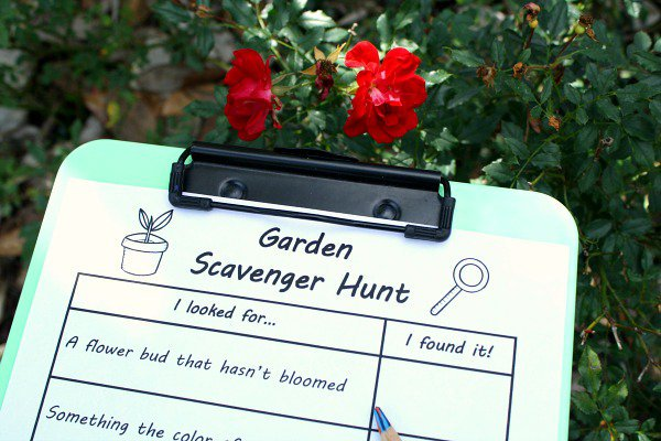 Garden-Scavenger-Hunt-Printable-for-Kids